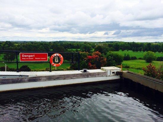 Peterborough Lift Lock : Lift lock from the top
