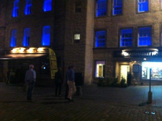 Grassmarket Hotel: Looking good in the Edi evening