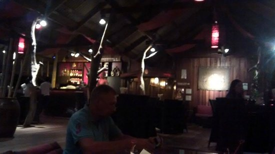 Buddha View Restaurant: La salle