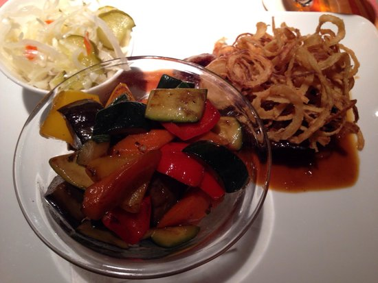Menza: Steak with vegetables