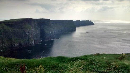 Barratt Tours : The Cliffs
