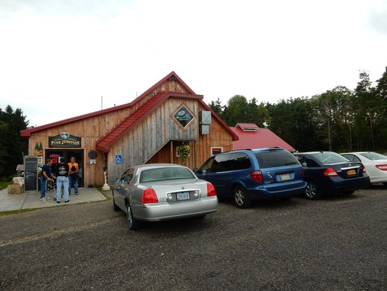 Pine Junction: Outside of restaurant
