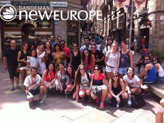 SANDEMANs NEW Europe - Barcelona : Foto de familia antes del free tour