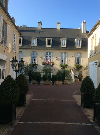 Hotel d'Argouges: Front of the hotel