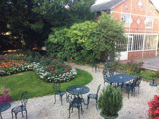 Hotel d'Argouges : Beautiful garden area