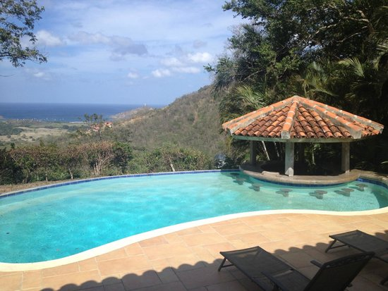 Finca Las Nubes: View from the Buena Vista poolside