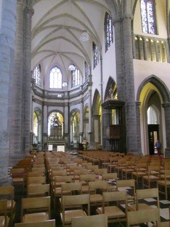 Eglise Notre-Dame (Onze-Lieve-Vrouwekerk) : doorkijk