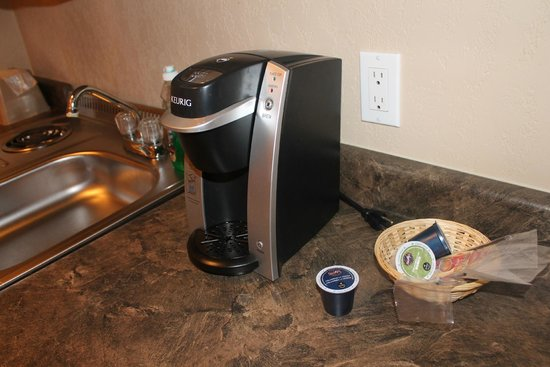 Lakeview Inns & Suites Fort Nelson: keurig