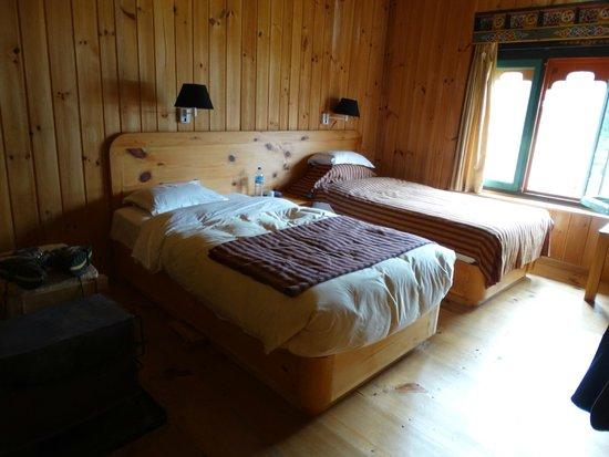 Gongkhar Guesthouse: las habitaciones son calidas y con salamandras para calentarlas
