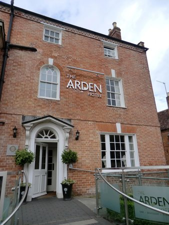 The Arden Hotel: Hotel from the outside