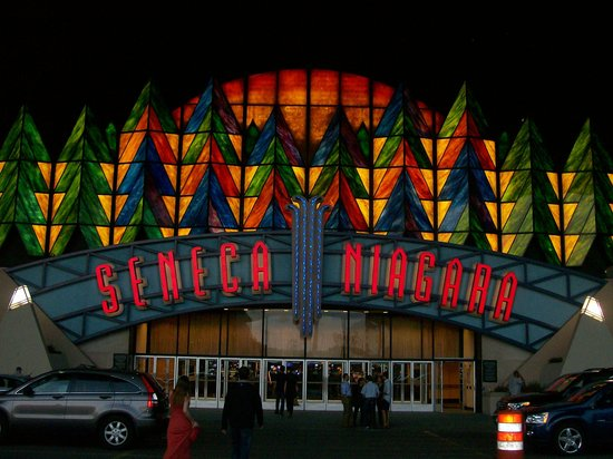 Seneca Niagara Casino : Seneca Niagra Casino Sign - Entrance at Nighttime