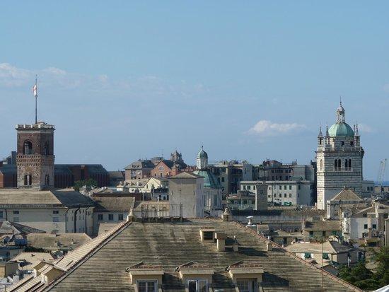 Albergo Caffaro: The city center from the hotel