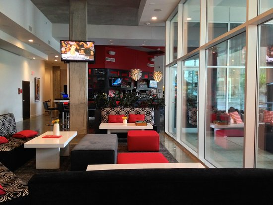 HotelRED: Lobby