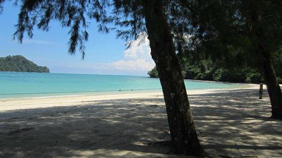 Sari Village Holiday Homes: Island tour with Zainol - gorgeous beaches!