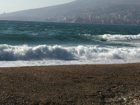 Vila Erdeti : pláž cca 50m od apartmánu