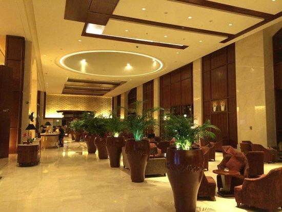 Ramada Jumeirah: Lobby