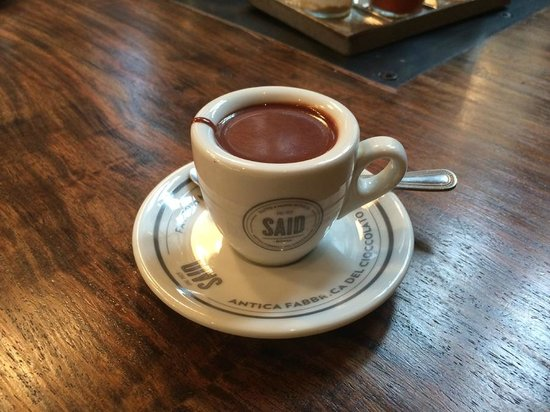 London Food Lovers Tours: Can you really drink pure chocolate?
