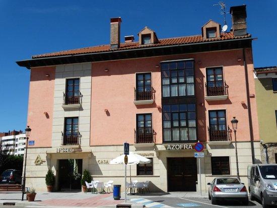 Hotel Azofra : vista de la fachada del hotel