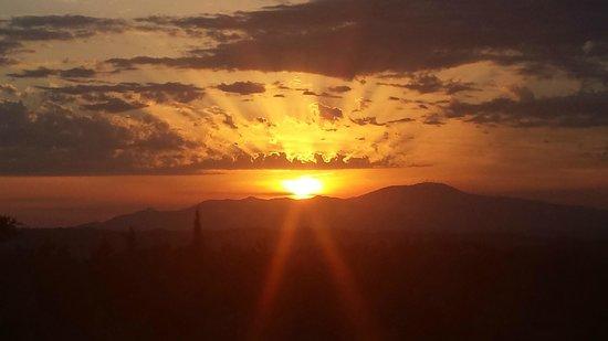 Agriturismo Aglioni: Sonnenuntergang!!!