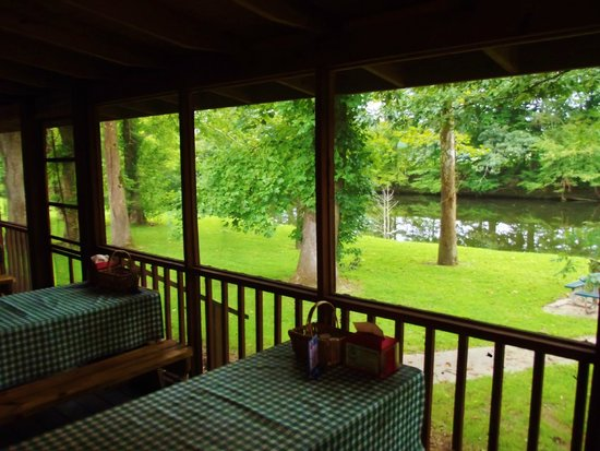 Porch dining at Little River BBQ