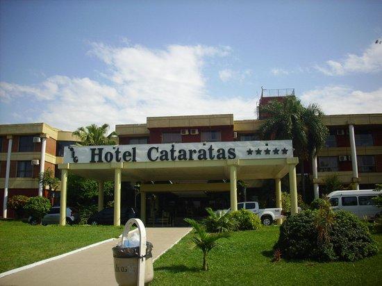 Exe Hotel Cataratas: frente sobre ruta 12