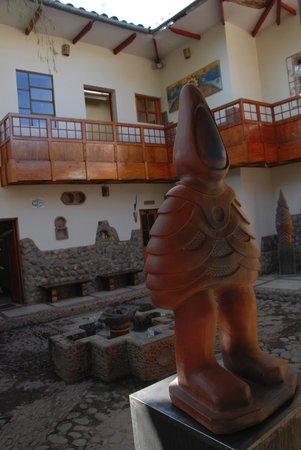 Ceramicas Seminario: Seminario Courtyard