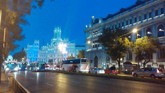 Madrid, Espagne : Banco de España y Cibeles