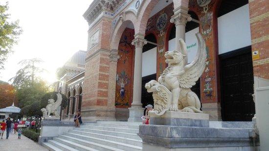 Madrid, Espagne : Palacio de Velazquez, en el Retiro