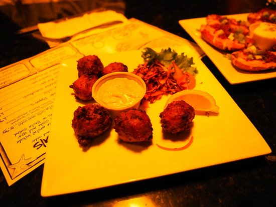 Eats Cafe: conch fritters