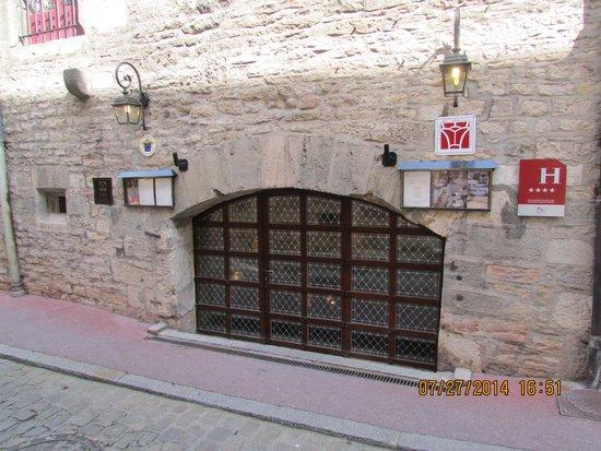 Abbaye de Maizières : Entrance to Abbaye de Maizieres