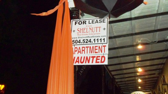 New Orleans Ghost Tour : Haunted Apartment for Rent sign