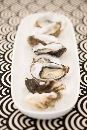 On The Inlet: plump oysters served simply