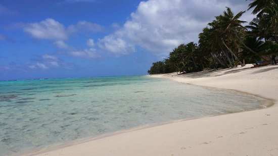 Titikaveka Beach