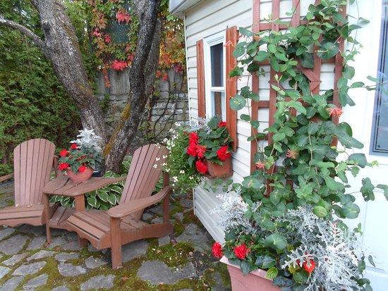 Maison Dufour & Bouchard: the beautiful gardens