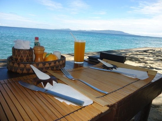 Sunset at Aninuan Beach Resort : Breakfast view - priceless