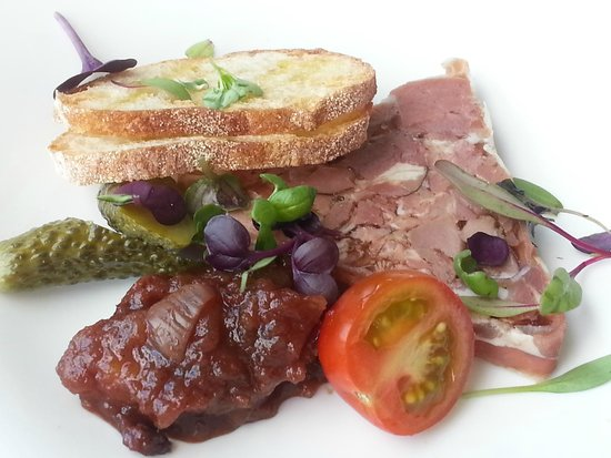Black Salt Restaurant: Smoked ham hock terrine