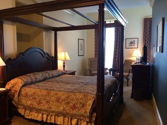River Street Inn: river view room