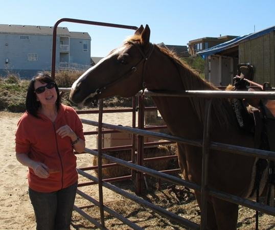 Green Acres Beach & Trail Rides: Chrome giving me kisses!