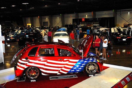 Choctaw Casino Resort: Car show at Choctaw