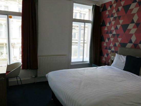 Cityroomz Edinburgh : Main Room