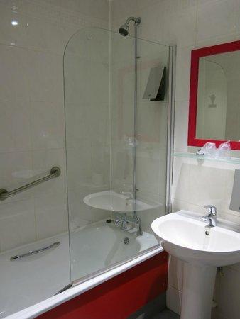 Cityroomz Edinburgh : Bathroom