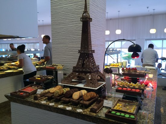 Le Blanc Spa Resort: Deserts at buffet