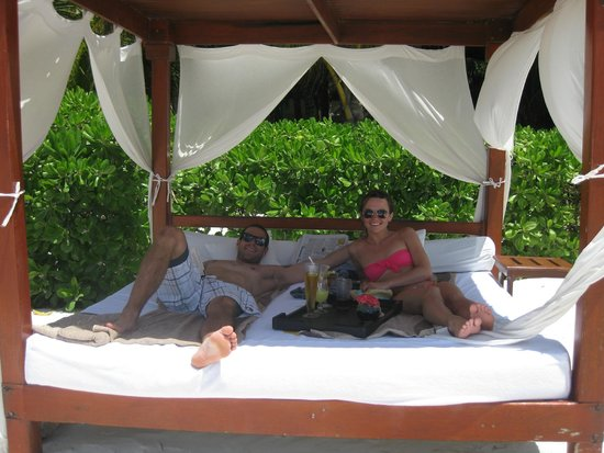 Bali Bed On The Beach With A Bar Waiter Proably 10 Of These On The
