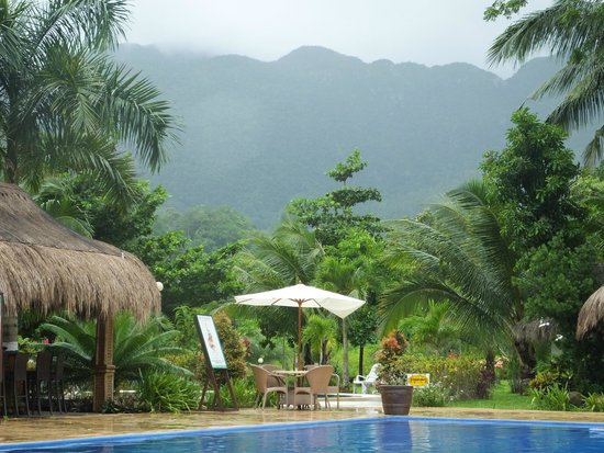 Daluyon Beach and Mountain Resort: the view-Karst