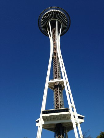 Seattle Cycling Tours: The Seattle needle