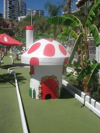 Parque de minigolf: mini golf park