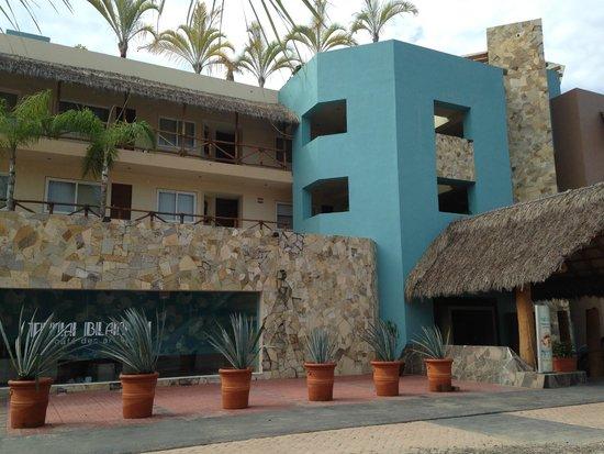 Hotel Cinco: Entry