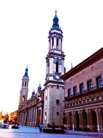Apartamentos Sabinas El Pilar : A unos pasos de la Basílica del Pilar