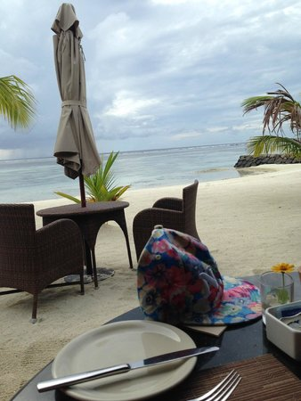 The Residence Maldives: Breakfast view by the beach at The Dinning Room