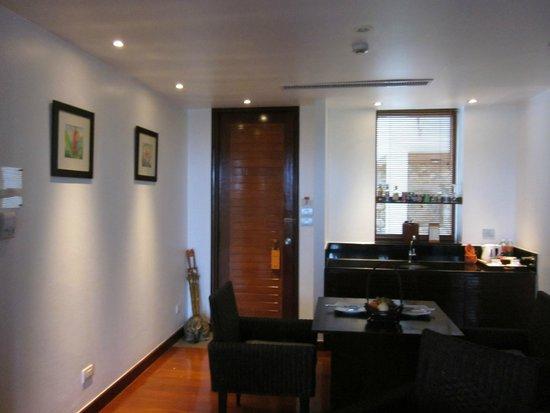 Ayara Hilltops Resort and Spa : Dining area in room